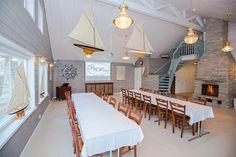 Merihenkinen Kommodorin rantahuvila tarjoaa upeat puitteet juhliin, kokouksiin ja saunailtoihin