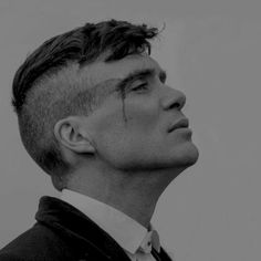 """He looked at me the wrong way. It's not a good idea to look at Tommy Shelby the wrong way."" [a thomas shelby mix] Peaky Blinders Poster, Peaky Blinders Wallpaper, Photography Poses For Men, Portrait Photography, Cillian Murphy Haircut, Thomas Shelby Haircut, Peaky Blinder Haircut, Zayn Malik Hairstyle, Gonna Love You"