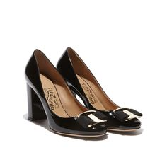 Pump featuring grosgrain Vara bow, tonal covered heel and rubber sole. Made in Italy