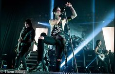 The Black Mass Tour 2014, presented by Hot Topic brought, Black Veil Brides, Falling in Reverse, Set It Off and Drama Club to the Royal Oak Music Theatre.    Those in attendance witnessed the re-birth of metal when it was heavy and fun before all the hairspray and pop glam as Black Veil Brides p