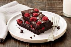 Weight Watchers raspberry brownies - Free Style in KItchen Dessert Cake Recipes, Brownie Recipes, Desserts, Dark Chocolate Brownies, Dark Chocolate Chips, Raspberry Brownies, Brownie Bar, Just Cooking, Strawberry Recipes