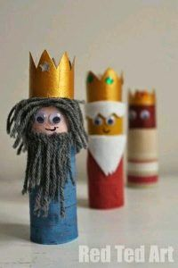 From stained glass windows to DIY nativity sets, these Nativity craft ideas are perfect for preschoolers! Handprint Christmas Tree, Christmas Toilet Paper, Christmas Crafts To Make, Christmas Projects, Kids Christmas, Holiday Crafts, Preschool Crafts, Kids Crafts, Yarn Crafts