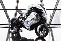 First Look at Saietta R, the World's First Electric Superbike