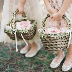 How sweet are these rustic look petal baskets  Are you having flower girls at your wedding?  www.wed2b.co.uk