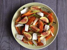 Tieto pečené bataty sú ideálnou voľbou na rýchlu a chutnú fit večeru. Príprava je jednoduchá, takže, ak natrafíš na čerstvé figy, neváhaj! :-)
