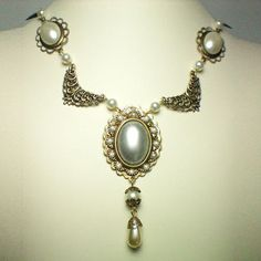 Jane Seymour Pearl Swag Necklace » The Anne Boleyn Files