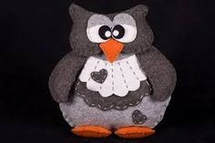Risultati immagini per gufi di feltro Owl Templates, Felt Crafts, To My Daughter, Disney Characters, Fictional Characters, Projects To Try, Dolls, Halloween, Gifts