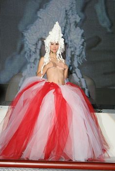 Falda tul alternado rojo y blanco