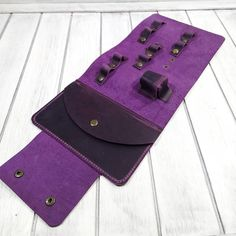 Органайзер для проводов. Итальянская кожа Крейзи Хорс. Цвет- фиолетовый. Разме Cable Cover, Card Case