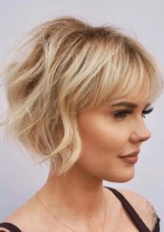 Amazing Short Haircuts with Bangs for Women in 2020 | Voguetypes Short Haircuts Over 50, One Length Haircuts, Layered Bob Haircuts, Thin Hair Haircuts, Short Bob Hairstyles, Cool Haircuts, Layered Hairstyles, Hairstyles Haircuts, Summer Haircuts