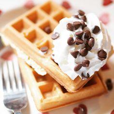 Dreaming of tomorrow\'s breakfast already.. #bbloggers #fbloggers #lbloggers #love #follow #like #fashionblogger #style #beauty #beautyblogger #picoftheday #photooftheday #30plusblogs #blogginggals #thegirlgang #instadaily #instagood #blog #blogger #linkinbio #moreontheblog #ukblog #igers #tuesday #treat #breakfast #food #waffles
