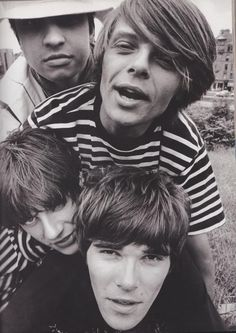 Most people have heard of The Stone Roses but it's very rare you find someone who adores them as much as I do. It is in the South of England anyway. My favourite band of all time and the best live show I've ever been to. Music Love, Rock Music, My Music, Indie Music, Music Icon, Music Genre, Rock Indé, Stone Roses, Band Photography