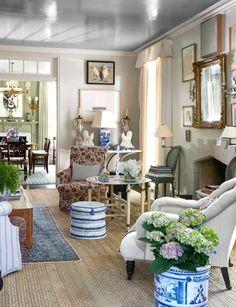 Beautiful living room by Cathy Kincaid Jute rug Living Room Designs, Living Room Decor, Living Spaces, Small Living, Modern Living, Art On Wall, Home Interior, Interior Design, Interior Plants