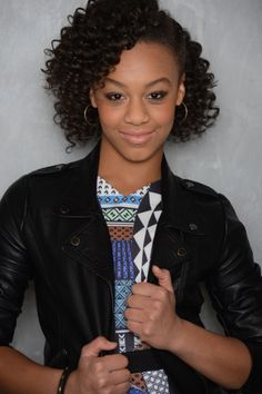 Hey. I'm Nia Frazier. I'm 13 and a singer / dancer. I'm new so introduce. Single