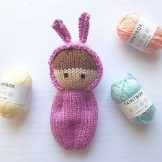 estherjoy's Easter Bunny Izzy Doll - Spielzeug Knitted Doll Patterns, Knitted Dolls, Crochet Toys, Knitted Bags, Loom Knitting, Free Knitting, Knitting Patterns Free, Knitting Stitches, Baby Born Kleidung