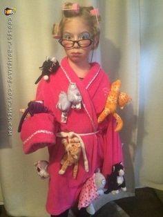 halloween costumes for work Last Minute Crazy Cat Lady Costume Most Creative Halloween Costumes, Handmade Halloween Costumes, Homemade Costumes, Halloween Costume Contest, Family Halloween Costumes, Halloween Kostüm, Halloween Couples, Costume Ideas, Group Halloween