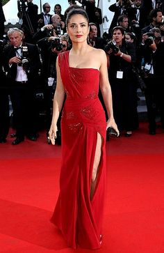 Salma in red dress appeared at Cannes Film Festival 2010
