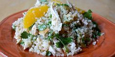 Chicken with Quinoa, Oranges, and Walnuts This meal is packed with healthy proteins and good fats. Chicken with Quinoa, Oranges, and Wal. Cooking Recipes, Healthy Recipes, Healthy Meals, Healthy Dishes, Meal Recipes, Lunch Recipes, Summer Recipes, Cooking Tips, Recipies