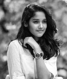 Actress Anikha 2017 New Hd Photo Shoot - Gethu Cinema Beautiful Girl Indian, Beautiful Girl Image, Most Beautiful Indian Actress, Beautiful Ladies, Stylish Girl Images, Stylish Girl Pic, Beauty Full Girl, Cute Beauty, Beautiful Girl Wallpaper