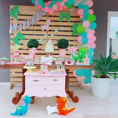 Remarkable Princess Birthday Party Ideas for 4 year-olds Dinasour Birthday, Dinosaur First Birthday, Girl Birthday Themes, 2nd Birthday Parties, Princess Birthday, Birthday Ideas, Girls Party Decorations, Party Ideas, Prehistoric Animals