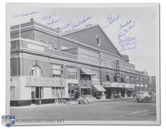 Photo of the Old Montreal Forum Autographed by 11 Canadiens Greats Hockey Pictures, Old Pictures, Ottawa, Hockey Highlights, Old Montreal, Sports Stadium, Ice Castles, Belle Villa, Canada