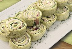 A delicious no-cook appetizer option, or fun lunch recipe for a crowd Appetizers For A Crowd, Food For A Crowd, Food Dishes, Side Dishes, Dishes Recipes, Bread Recipes, Summer Recipes, Holiday Recipes, Yummy Treats