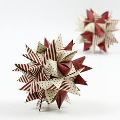 Big woven star made with paper star strips This large star is made from weaving paper strips. It is challenging to make but worth the effort. Paper Christmas Ornaments, Homemade Christmas Decorations, Ornament Crafts, Christmas Crafts, Origami Christmas, Christmas Stars, Diy Paper, Paper Crafts, Origami Paper