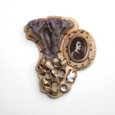 Barbara Paganin  Spilla n.12, 2011 – 2013 Argento ossidato, ritratto smaltato su rame, vetro, porcellana, quarzo di luna, oro Fotografia di ...