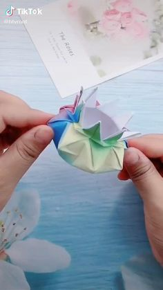 Diy Crafts Hacks, Diy Crafts For Gifts, Creative Crafts, Cool Paper Crafts, Newspaper Crafts, Paper Crafts Origami, Origami Art, Art N Craft, Craft Stick Crafts