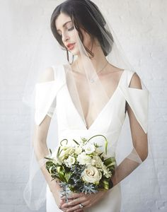 Chic+and+Sexy+Modern+Wedding+Dress
