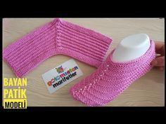 Knitting Basics: Two knitted women crochet slippers stitch for beginners, Diy Abschnitt, Knitting Basics, Knitting Videos, Knitting Stitches, Knitting Socks, Baby Knitting, Knitting Patterns, Knitted Slippers, Crochet Slippers, Knitting For Beginners
