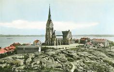 https://flic.kr/p/fHFuSD | Lysekil Church, Bohuslän Sweden | Lysekil church, built in 1899-1901 in neo-Gothic style. Lysekils kyrka, byggd 1899-1901 i nygotisk stil. Parish (socken): Lysekil Province (landskap): Bohuslän Municipality (kommun): Lysekil County (län): Västra Götaland Photograph by: Unknown. Almquist & Cöster Date: 1940-1959 Format: Original postcard, tinted
