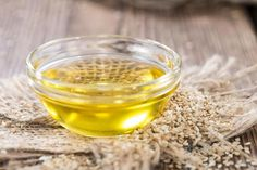 Sesame and Sesame Oil Benefits – Total Ayurveda Details Sesame Ginger Dressing, Cancer Causing Foods, Receding Gums, Fast Metabolism Diet, Healing Oils, Natural Healing, Healthy Eating Habits, Oil Benefits, Sesame Oil