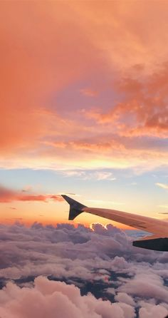 Check out this awesome collection of aesthetic wallpapers for iphone. Wallpaper Pastel, Sunset Wallpaper, Aesthetic Pastel Wallpaper, Iphone Background Wallpaper, Aesthetic Backgrounds, Nature Wallpaper, Aesthetic Wallpapers, Travel Wallpaper, Airplane Wallpaper
