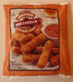 By far the BEST store bought cheese sticks ever! These taste like restaurant quality cheese sticks straight out of your oven! Trader Joes Bread, Trader Joes Food, Gifts For Cooks, Food Gifts, Trader Joe's Cheese, Paleo Shopping List, Mozzarella Cheese Sticks, Cheesy Breadsticks, How To Eat Paleo