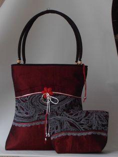 Bordó taft táska-szett, fekete-fehér csipkével díszítve