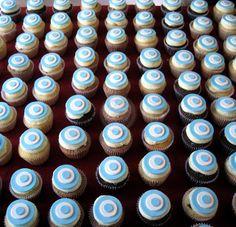 """Cupcakes Escarapelas for """"25 de Mayo"""" Argentina"""