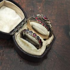 In my double ring box today- garnet snake and flat cut garnet eternity ring. Phwoar! What a pair. Message me for details #antiquejewelryaddiction #instaring #ringstagram #showmeyourrings #showmeyoursnakes #ringsofinstagram #snakesunday #flatcutgarnet