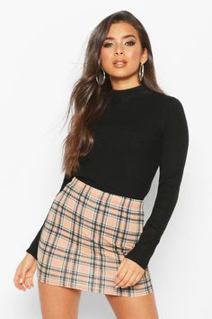 BooHoo at marie claire edit Cute Skirts, Plaid Skirts, Mini Skirts, Plaid Skirt Outfits, Flannel Skirt, Cute Casual Outfits, Stylish Outfits, Casual Dresses, Girly Outfits