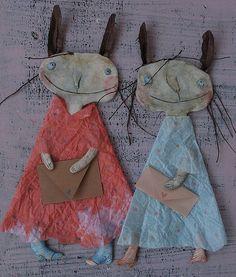 Paper dolls by Denitsa those are cute and I can probably make them Sculpture Textile, Art Textile, Soft Sculpture, Softies, Art Projects, Sewing Projects, Paper Art, Paper Crafts, Paperclay