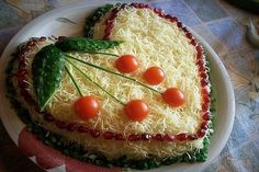 SALAD OF SMOKED CHICKEN WITH CORN AND CHEESE