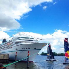 MS Amadea with the best view at the Extreme Sailing Series in Hamburg