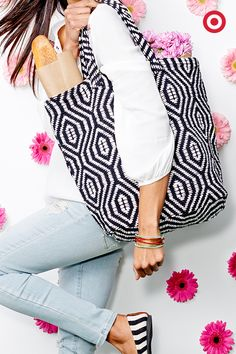Something about spring days that call for an easy, on-the-go outfit. This boho-embroidered top fits the bill. Tote around a chic woven handbag to bring it all together.