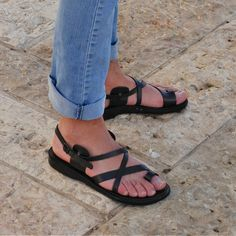 Enjoy your summer vacations with beautiful handmade woman thong leather sandal made in Jerusalem by camel sandals.