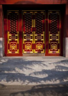 Closed Door In Forbidden City, Beijing, China Ancient Greek Architecture, Chinese Architecture, Gothic Architecture, Chinese Door, Chinese Element, Eric Lafforgue, Chinese Landscape, Portal, Front Door Design