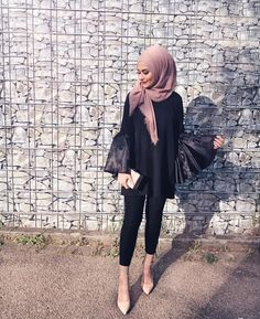 behierdi - Another! Modest Wear, Modest Dresses, Modest Outfits, Chic Outfits, Fashion Outfits, Hijab Fashion Summer, Modest Fashion, Girl Fashion, Casual Hijab Outfit