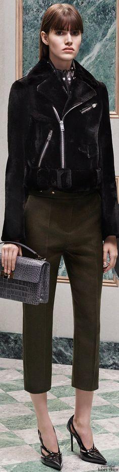 Balenciaga Pre-Fall 2015 Fashion Show Collection: See the complete Balenciaga Pre-Fall 2015 collection. Look 11 Winter Fashion 2015, Fall Winter 2015, Autumn Fashion, Balenciaga, Alexander Wang, Lookbook, Fashion Show, Fashion Design, Women's Fashion