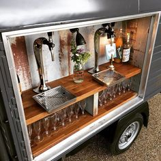Always nice to see the bubble bar primed and ready for action. Flutes and taps at the ready...pour! #bubblesontap #proseccovan #weddingbar #weddingideas #vintagestyle #partyideas #proseccolovers #