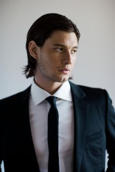 Imagini pentru attractive man in suit Ben Barnes, Young Sirius Black, Greg Williams, Regulus Black, Men Are Men, Jonathan Rhys Meyers, Charming Man, Carl Grimes, Dorian Gray