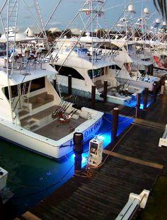 All the little fishing boats lined up in a row.... (Old Bahama Bay Marina, Grand Bahama)
